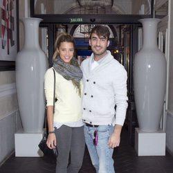 Corina Randazzo e Israel Rodríguez en la fiesta de aniversario de un hotel
