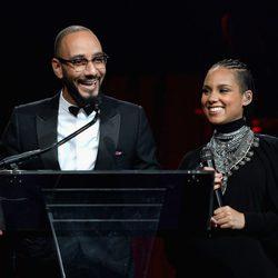 Alicia Keys y Swizz Beatz en la gala benéfica de Gabrielle's Angel Foundation