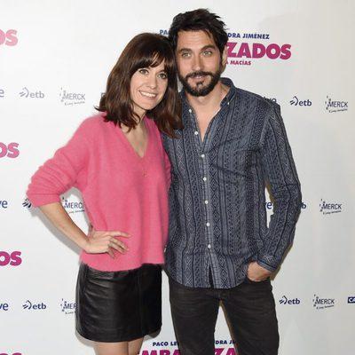 Alexandra Jiménez y Paco León en la presentación de 'Embarazados'