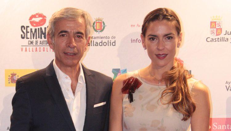 Imanol Arias e Irene Meritxell en la clausura de la Seminci 2014