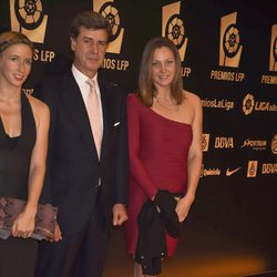 Cayetano Martínez de Irujo y Melani Costa en la entrega de los Premios de la Liga de Fútbol Profesional 2014