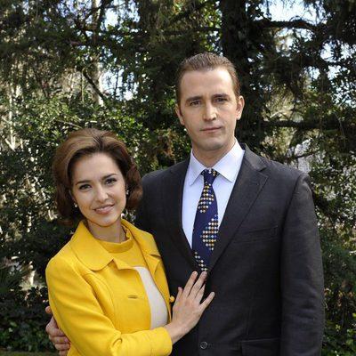 Cristina Brondo y Fernando Gil en una sesión para la serie 'El Rey'