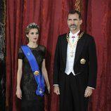 Los Reyes Felipe y Letizia en su primera cena de gala como Reyes