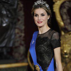 La Reina Letizia en una cena de gala ofrecida en honor a la Presidenta de Chile