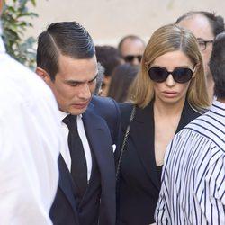 José María Manzanares y Rocío Escalona en el entierro de José María Manzanares padre
