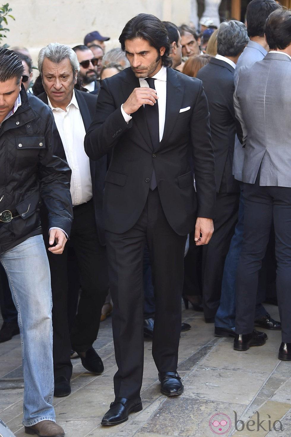 Javier Conde en el entierro de José María Manzanares padre