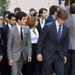 Miguel Abellán y El Juli en el entierro de José María Manzanares padre