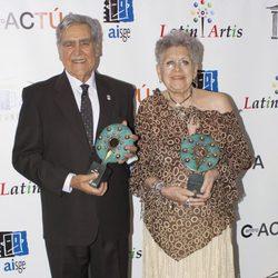 Pilar Bardem y Eric del Castillo reciben los Premios Latin Artis 2014