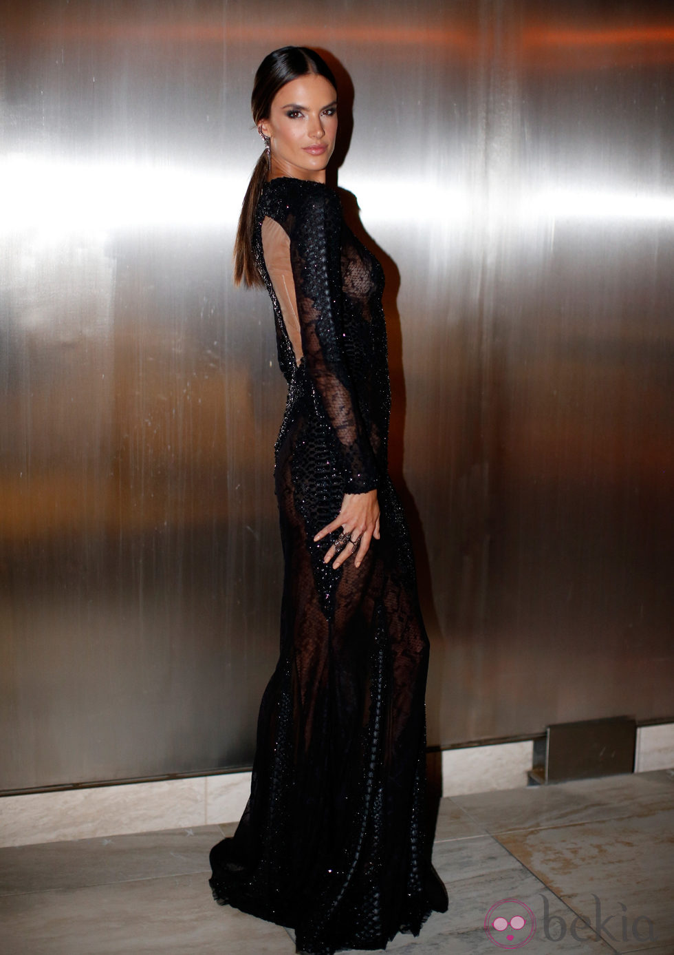Alessandra Ambrosio en la 'AmfAR Inspiration Gala' 2014 en Hollywood