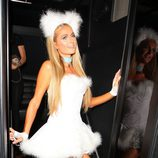 Paris Hilton en una fiesta pre-Halloween en West Hollywood