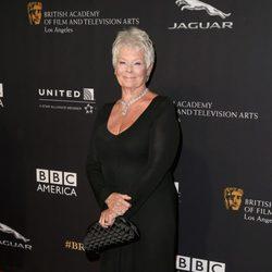 Judi Dench en la entrega de los Premios Bafta Britannia 2014