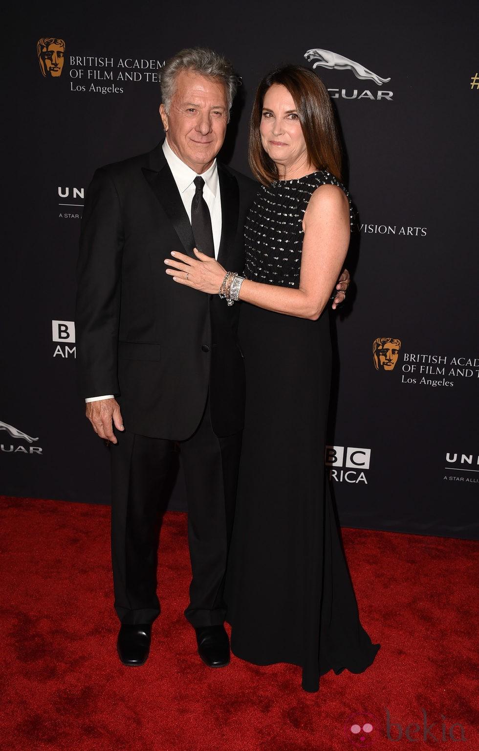 Dustin Hoffman y su mujer Lisa en la entrega de los Premios Bafta Britannia 2014