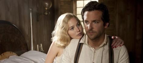 Jennifer Lawrence y Bradley Cooper en una escena de 'Serena'