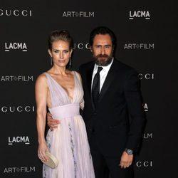 Demian Bichir y Stefanie Sherk en la gala LACMA Art + FIlm 2014