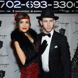 Nick Jonas y Olivia Culpo, años 20 en Halloween 2014