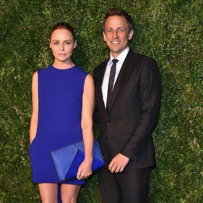 Seth Meyers y Stella McCartney en la entrega de los CFDA 2014 / Vogue Fashion Fund