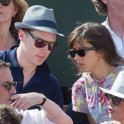Benedict Cumberbatch y Sophie Hunter en Roland Garros 2014