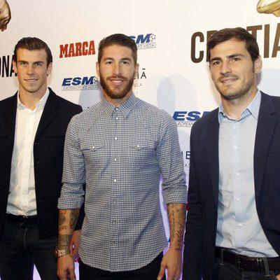Gareth Bale, Sergio Ramos e Iker Casillas en la entrega de la Bota de Oro 2014 a Cristiano Ronaldo