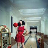 Eva Green juega a los bolos en el mes de agosto del Calendario Campari 2015