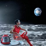 Eva Green se convierte en astronauta en el mes de julio del Calendario Campari 2015