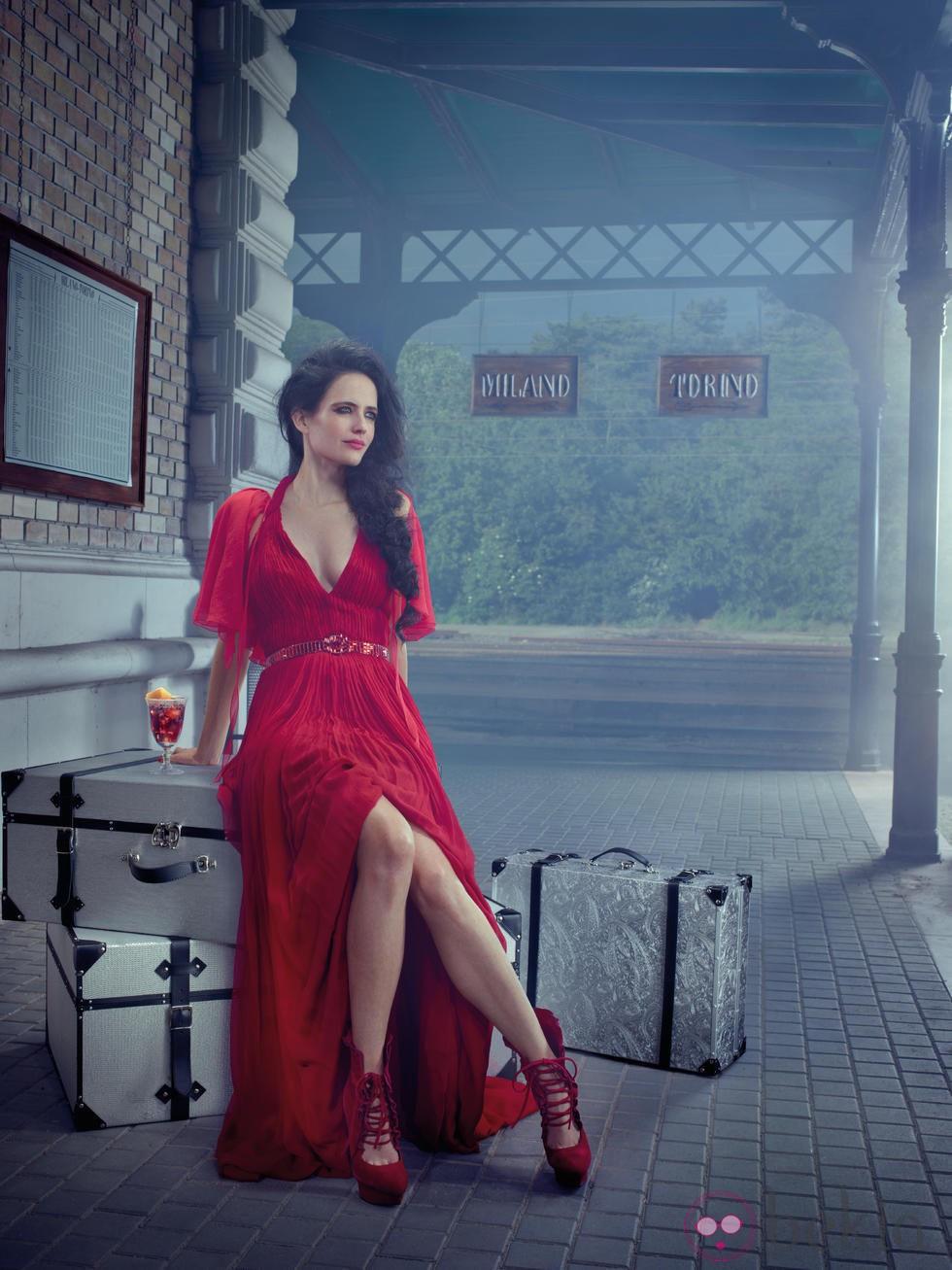 Eva Green se va de viaje en el mes de marzo del Calendario Campari 2015