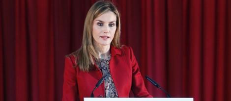 La Reina Letizia dando un discurso en portugués en su primera visita oficial en solitario a Portugal como Reina