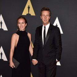 Edward Norton y Shauna Robertson en los 'Premios Governors' 2014