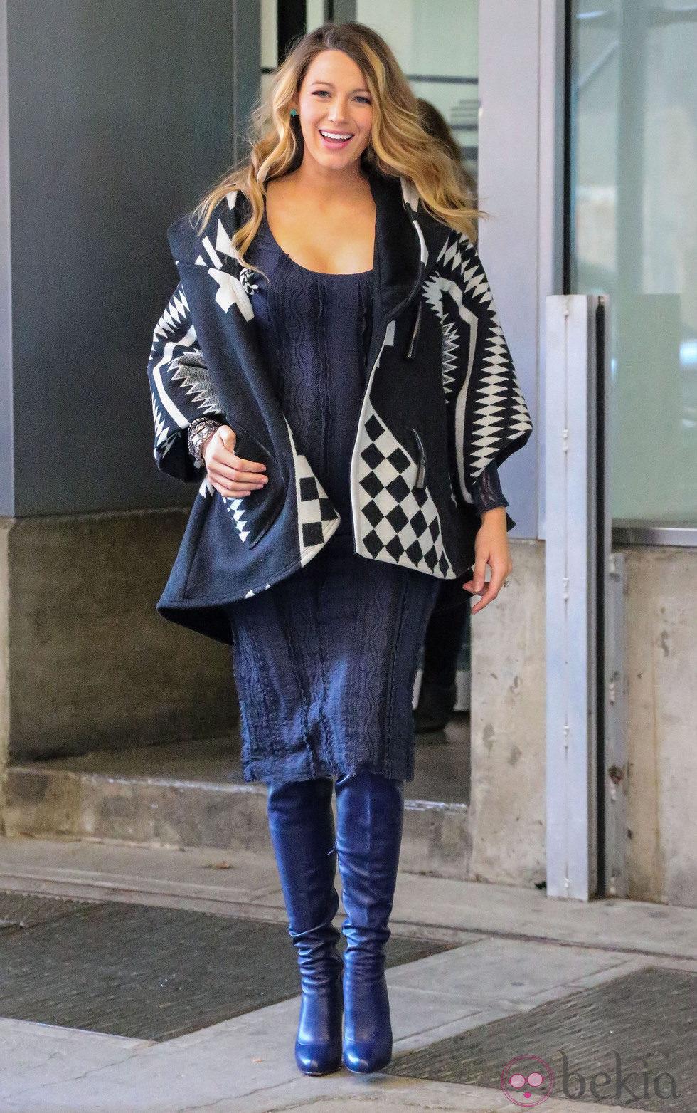 Blake Lively, una embarazada sonriente en Nueva York