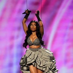 Nicki Minaj ejerciendo de presentadora de los MTV EMA 2014