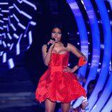 Nicki Minaj con un vestido rojo en la entrega de los MTV EMA 2014
