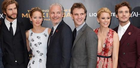 Jennifer Lawrence Y Liam Hemsworth Estrenan Los Juegos Del Hambre