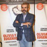 Lorenzo Caprile en el estreno de 'Olivia y Eugenio' en Madrid