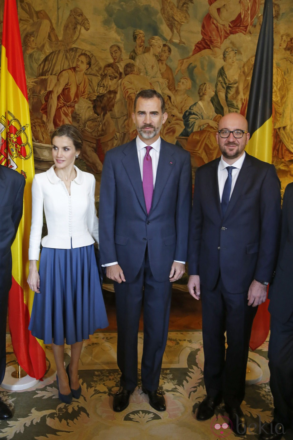 Los Reyes Felipe y Letizia con el Primer Ministro Belga en su primer viaje a Bélgica como Reyes