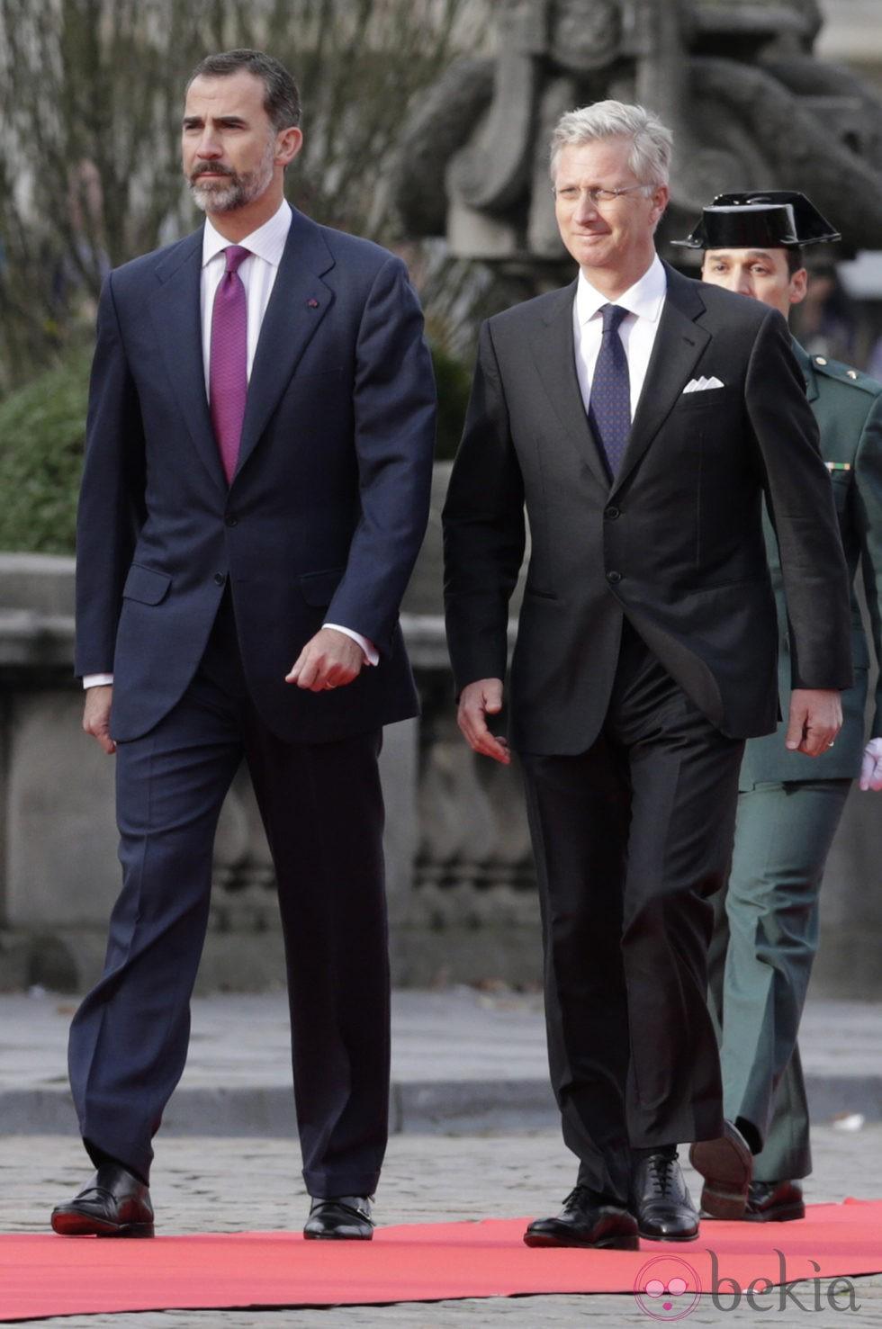 El Rey Felipe VI y el Rey Felipe de Bélgica en la primera visita a Bélgica de Felipe y Letizia como Reyes