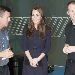 Kate Middleton luce embarazo en una visita al GSK Human Executive centre de Brentford