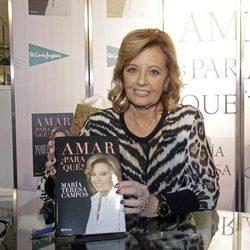 María Teresa Campos con su libro 'Amar, ¿para qué?