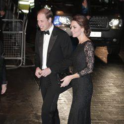 Los Duques de Cambridge en la Royal Variety Performance 2014
