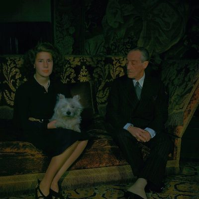 Cayetana Fitz-James Stuart con su padre, el XVII Duque de Alba