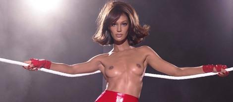 Joan Smalls protagoniza el mes de marzo del Calendario Pirelli 2015