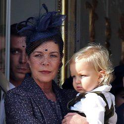 Carolina de Mónaco con su nieto Sasha en el Día Nacional de Mónaco 2014