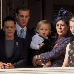 Carolina de Mónaco con sus hijos Andrea, Pierre y Alexandra, su nieto Sasha y Estefanía de Mónaco en el Día Nacional de Mónaco 2014