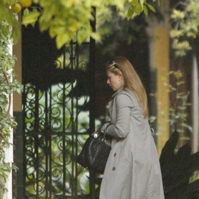 Genoveva Casanova visita a la Duquesa de Alba en el Palacio de las Dueñas
