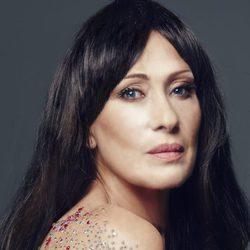 Rosa Benito posa como Sara Carbonero en Elle en la Sálvame Fashion Week