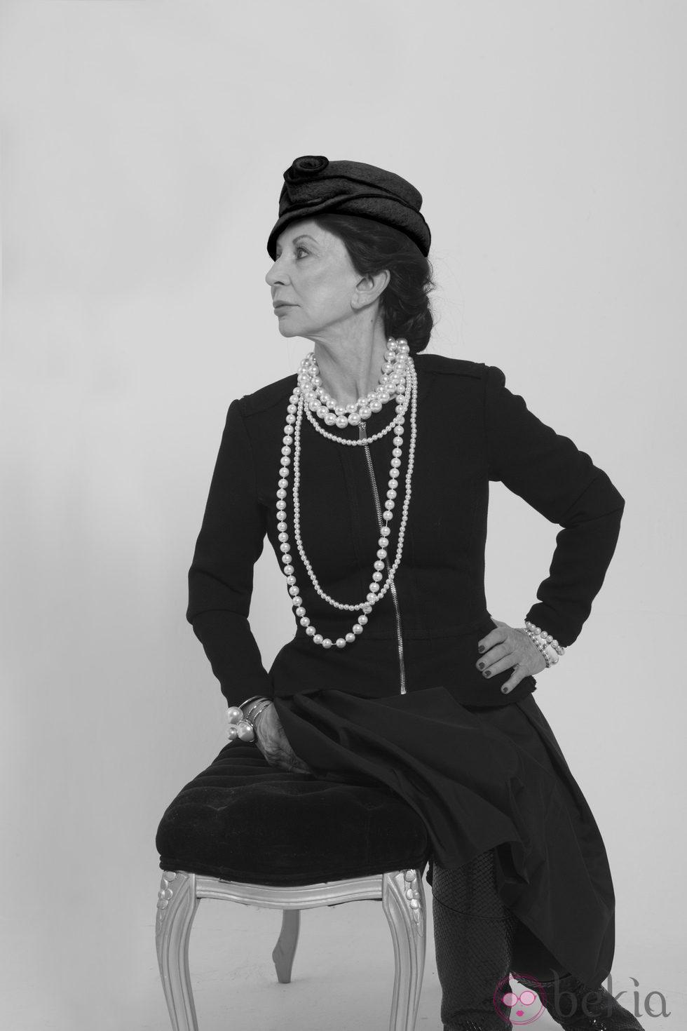 Karmele Marchante a lo Coco Chanel en la Sálvame Fashion Week