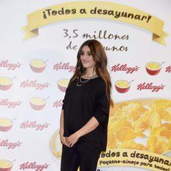 Olivia Molina presume de embarazo como madrina de una campaña benéfica