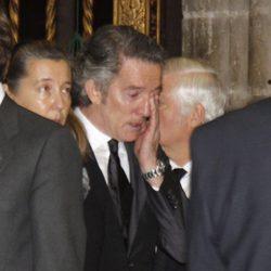 Alfonso Díez llorando en el funeral de la Duquesa de Alba