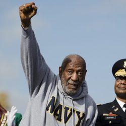 Bill Cosby acude a la ceremonia del Día de los Veteranos en Filadelfia