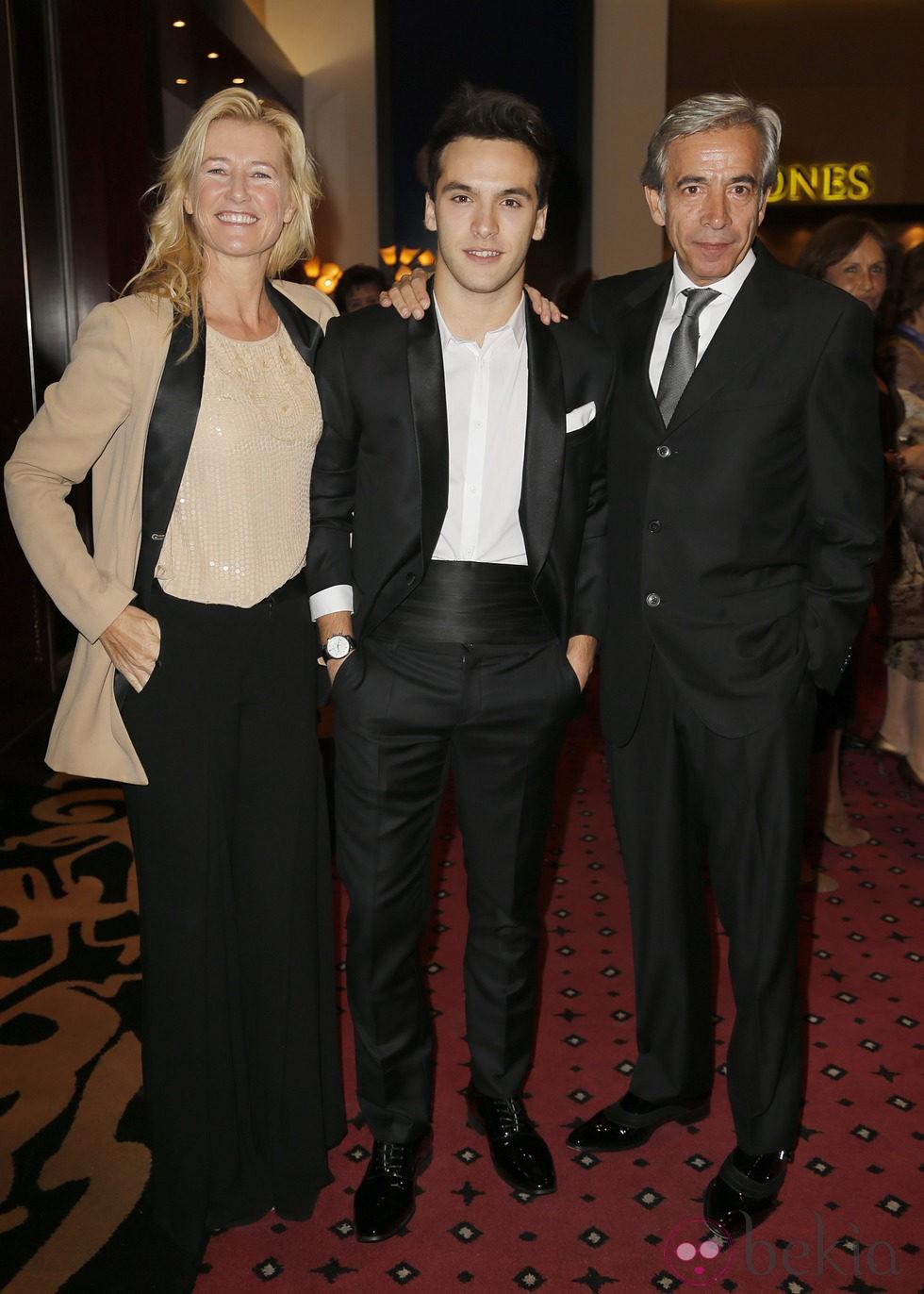 Ana Duato, Ricardo Gómez e Imanol Arias en los Premios Antena de Oro 2014