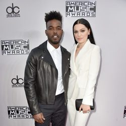 Jessie J y Luke James en los American Music Awards 2014
