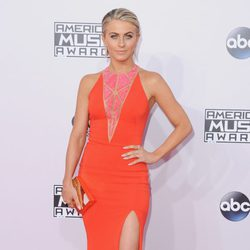 Julianne Hough en los American Music Awards 2014